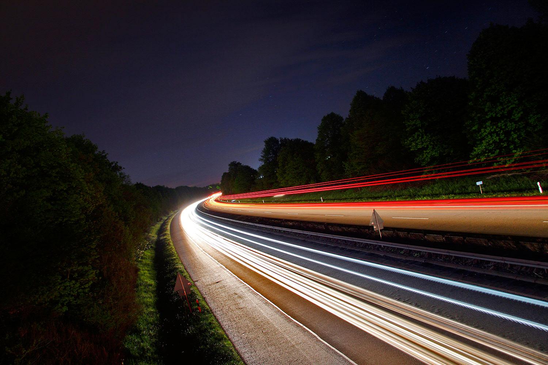bildgabe-nachtfotografie-autobahn